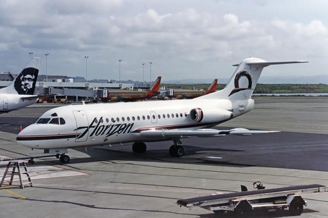 Horizon_Air_Fokker_F-28-1000_Fellowship_Silagi-1